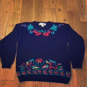 Beautiful vintage knit sweater. Size small